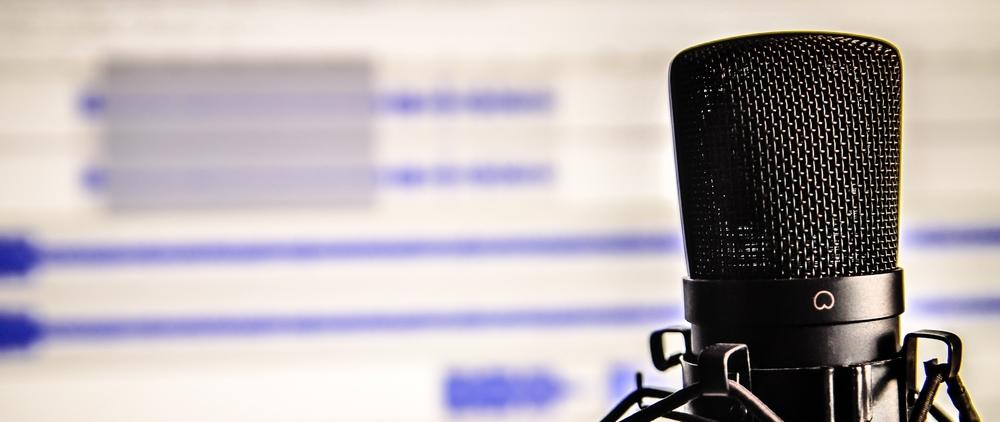 microphone-338481.jpg