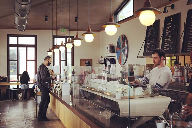 I enjoy looking for symmetry and interesting angles in coffee shop scenes. Verve presents intriguing possibilities.