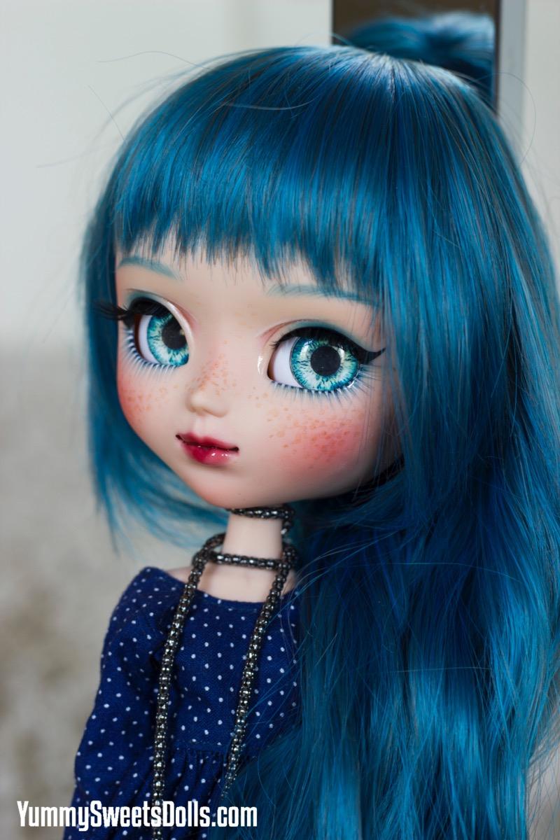 Blue Velvet Cake by Yummy Sweets Dolls