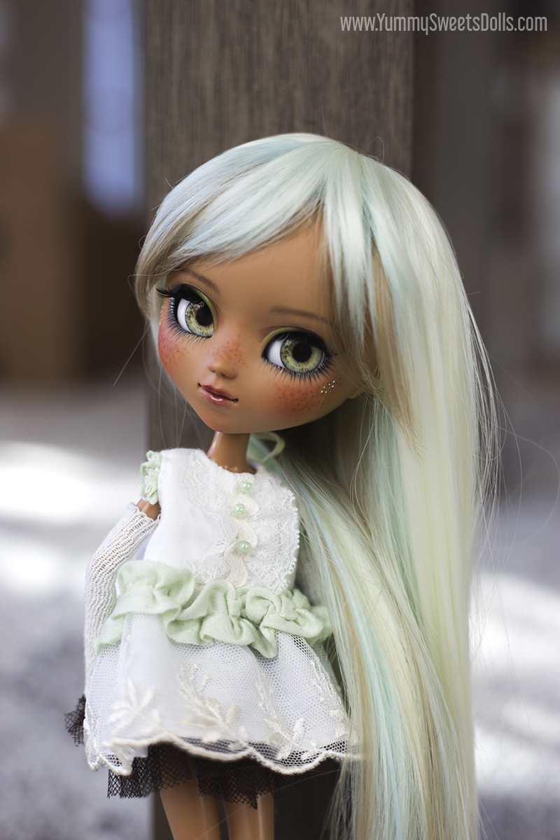 Mint Chocolate Dream by Yummy Sweets Dolls, Connie Bees