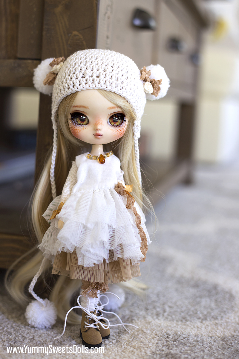 Honey Vanilla Macchiato by Yummy Sweets Dolls, Connie Bees