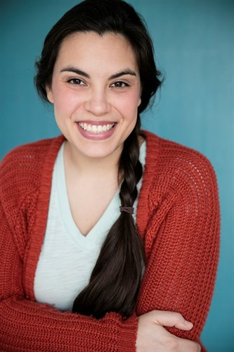 "Laura Hernandez - Beaz Talent : 5'6"" / 145lbs"