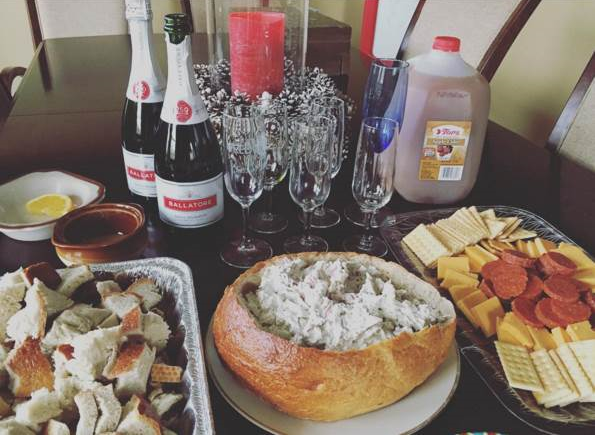 Thanksgiving appetizers and apple cider mimosas! Take me back!