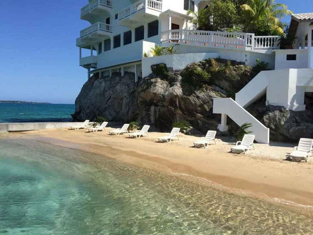 Villa @ Dunbar Rock