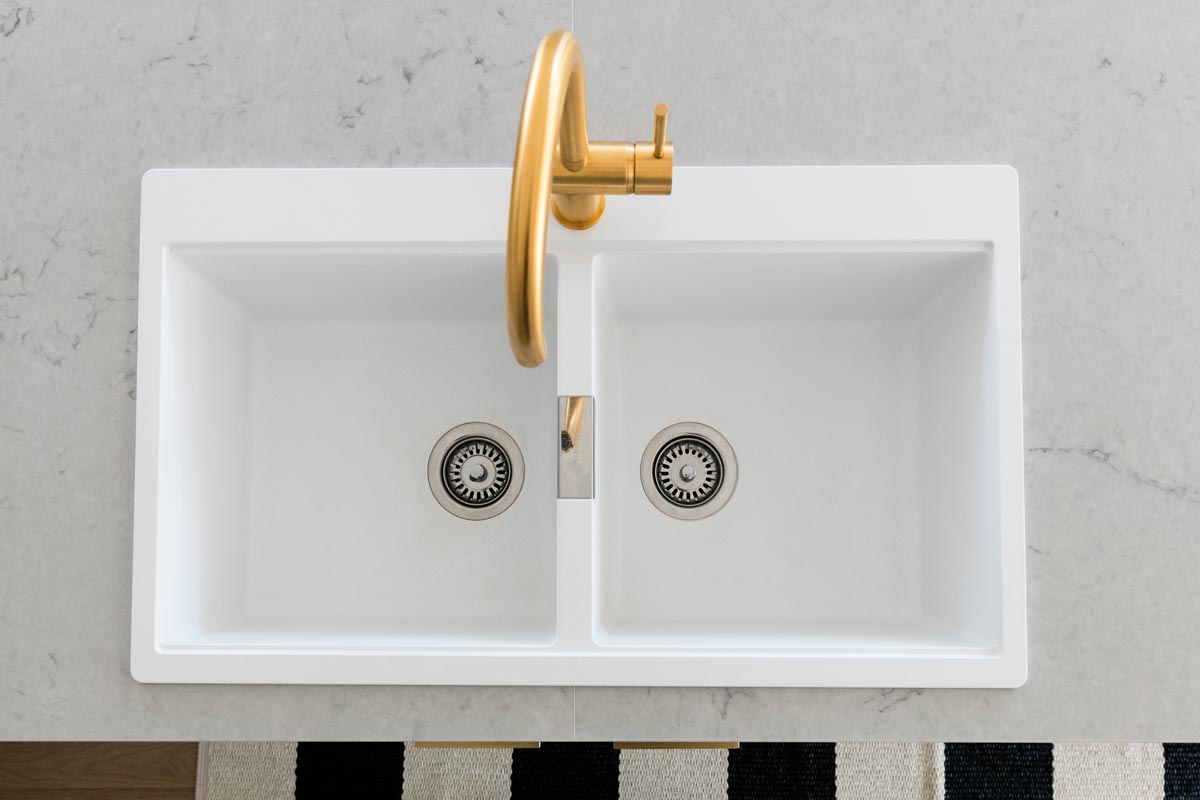 Comment Installer Un Comptoir De Cuisine l'Évier dessus ou en dessous du comptoir? — la shop À granite