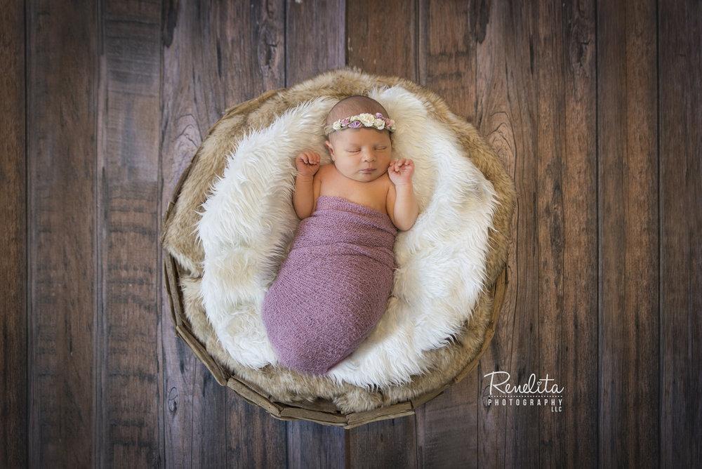 Biagi_newborn1_LOGO.jpg