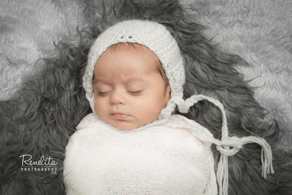 Shah_newborn5_logo.jpg