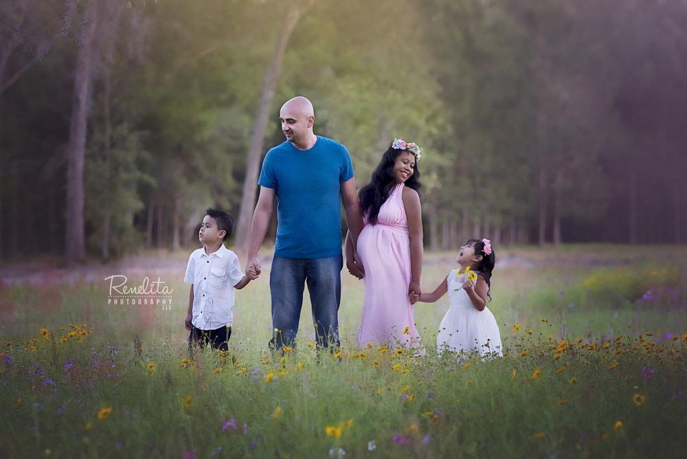 Family_Photo_april_2018_sml.jpg