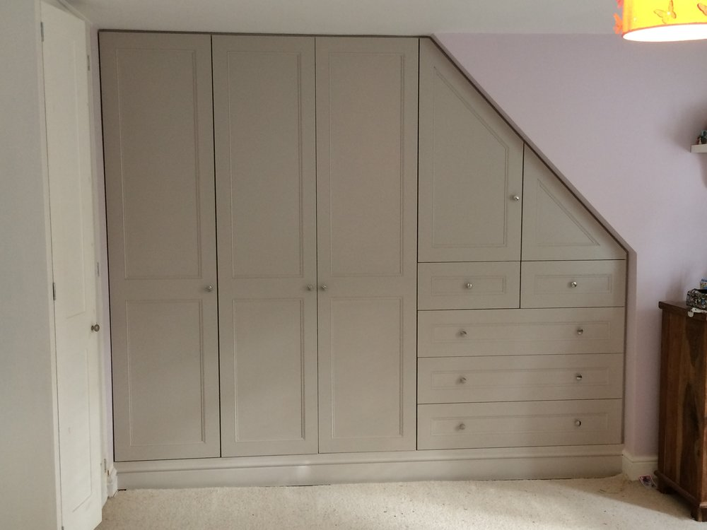 Quality Built In Wardrobes Custom Made To Your Requirements