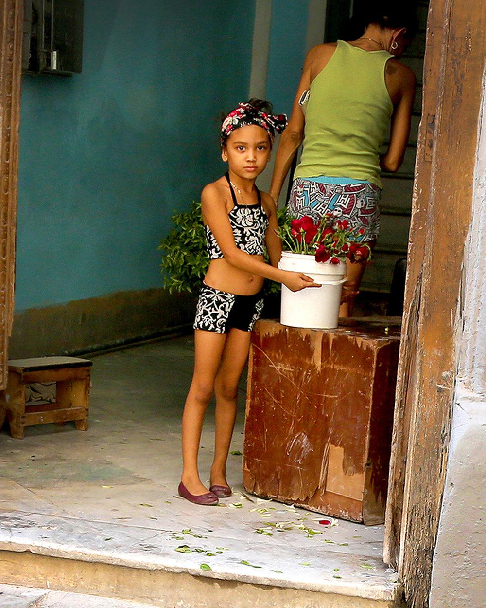 7W1A0254_cuba_girl_ritathompson_crop2.jpg