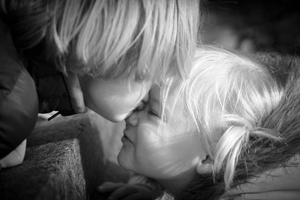 kiss_b&w.jpg