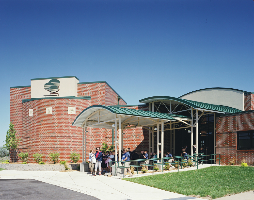 GreenbushScienceCenter-exterior03.jpg
