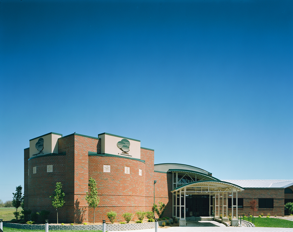 GreenbushScienceCenter-exterior04.jpg