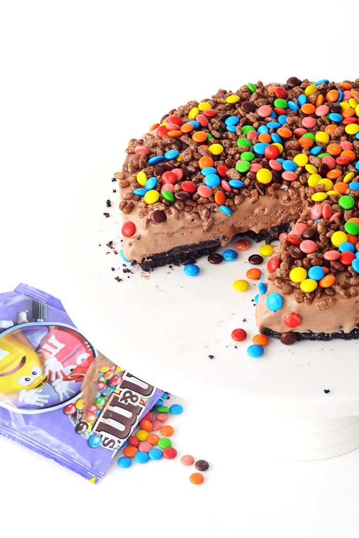 Crunchy Chocolate Milkshake Ice Cream Cake! No bake and an absolutely delicious dessert | Sweetest Menu