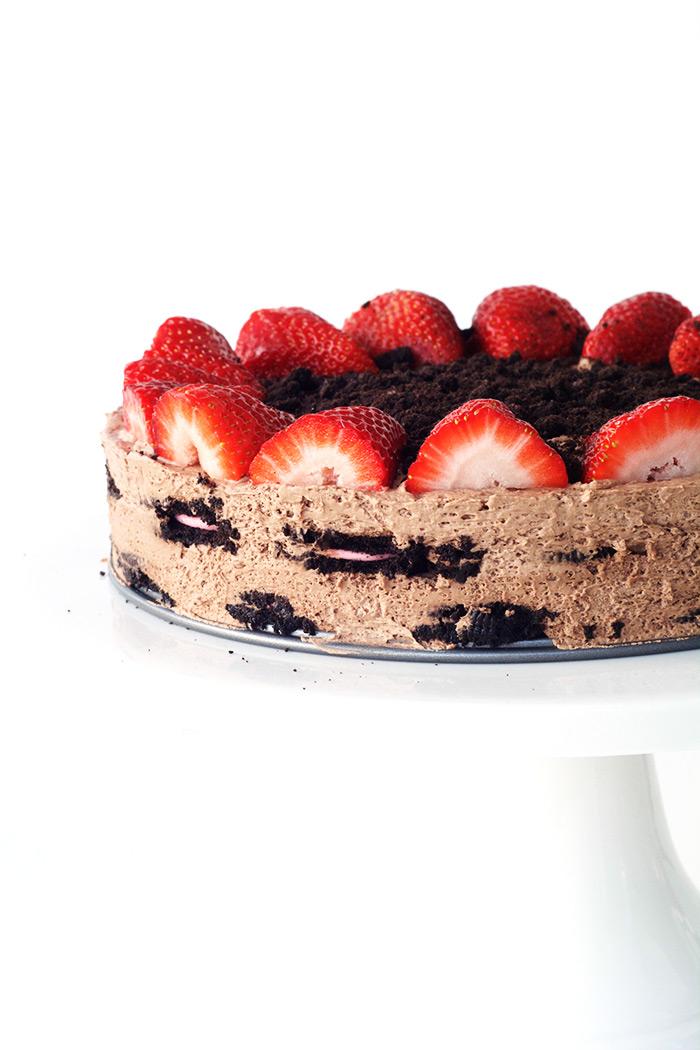 No bake Strawberry Oreo Chocolate Icebox Cake   Sweetest Menu