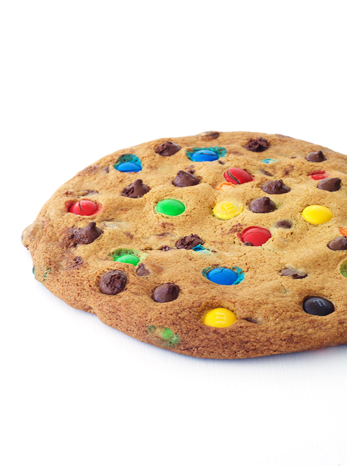 One Giant M&M Chocolate Chip Cookie | Sweetest Menu