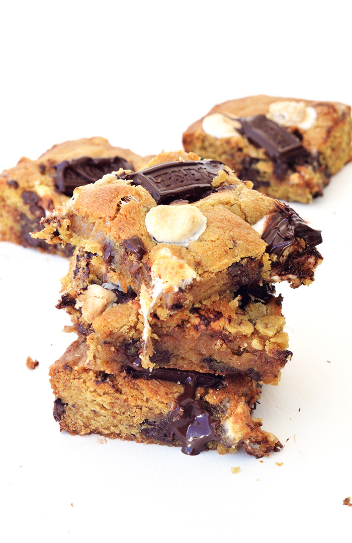 Gooey Smores Cookie Bars | Sweetest Menu