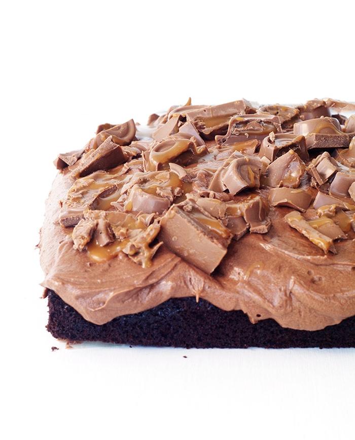 Chocolate Caramel Rolo Poke Cake | Sweetest Menu