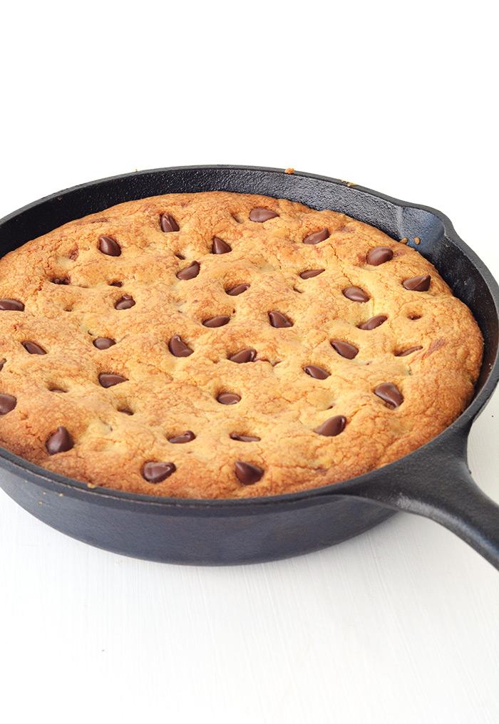 Nutella Stuffed Skillet Cookie | Sweetest Menu