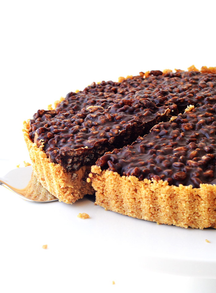 No Bake Peanut Butter Chocolate Crunch Pie | Sweetest Menu