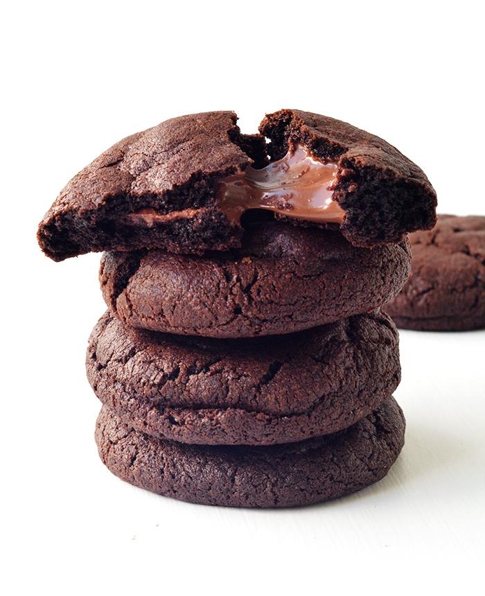 Amazing Nutella Stuffed Chocolate Cookies | Sweetest Menu
