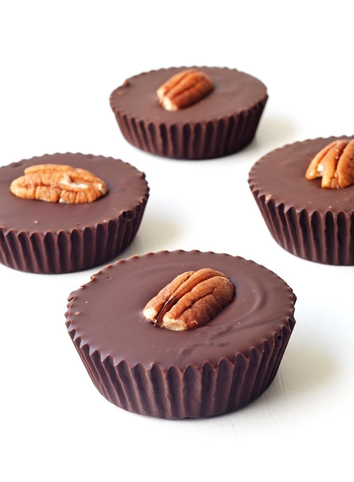 Easy Pecan Caramel Stuffed Chocolate Cups that taste like Turtles | Sweetest Menu
