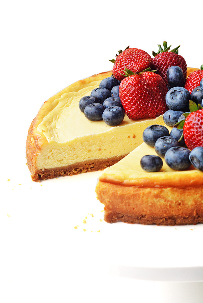 Baked Sour Cream Cheesecake with Berries | Sweetest Menu