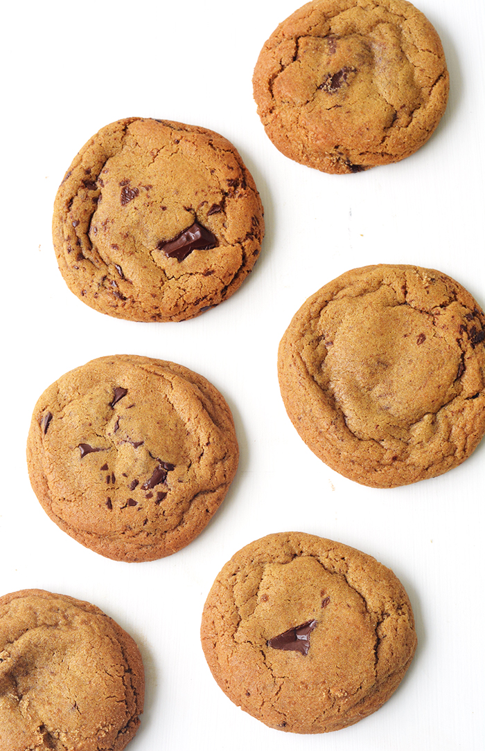 Chocolate Chunk Molasses Cookies with a hint of ginger | Sweetest Menu
