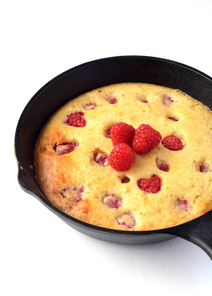 Easy Raspberry Skillet Pancake | Sweetest Menu