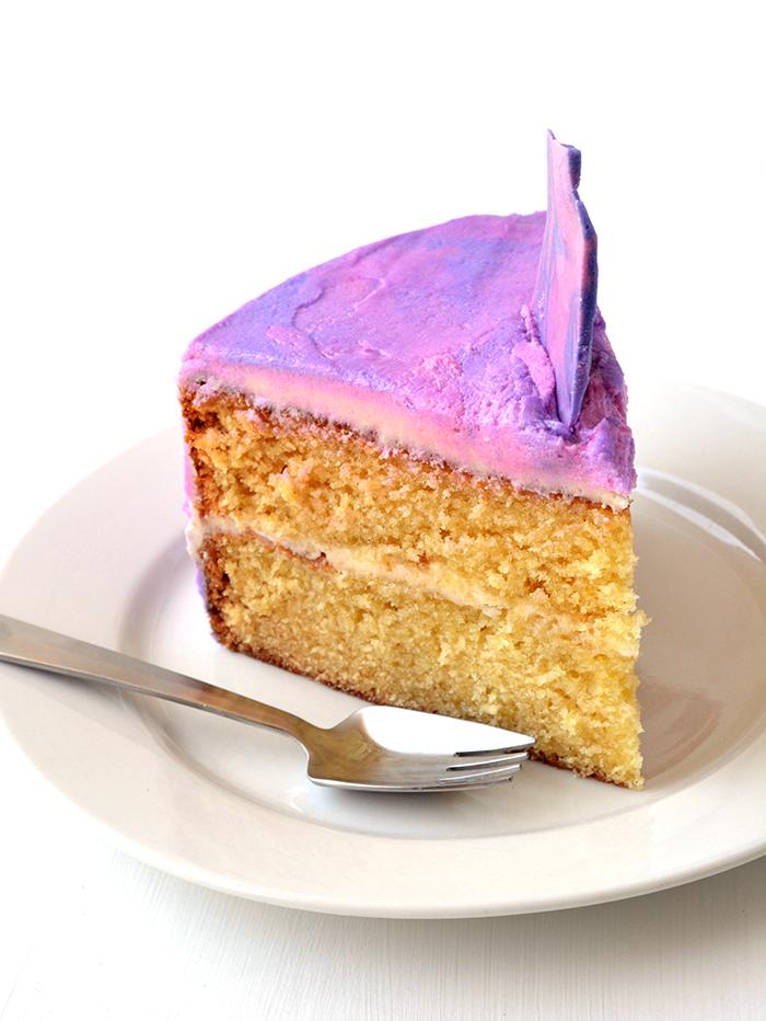 Purple Marble Layer Cake | via sweetestmenu.com