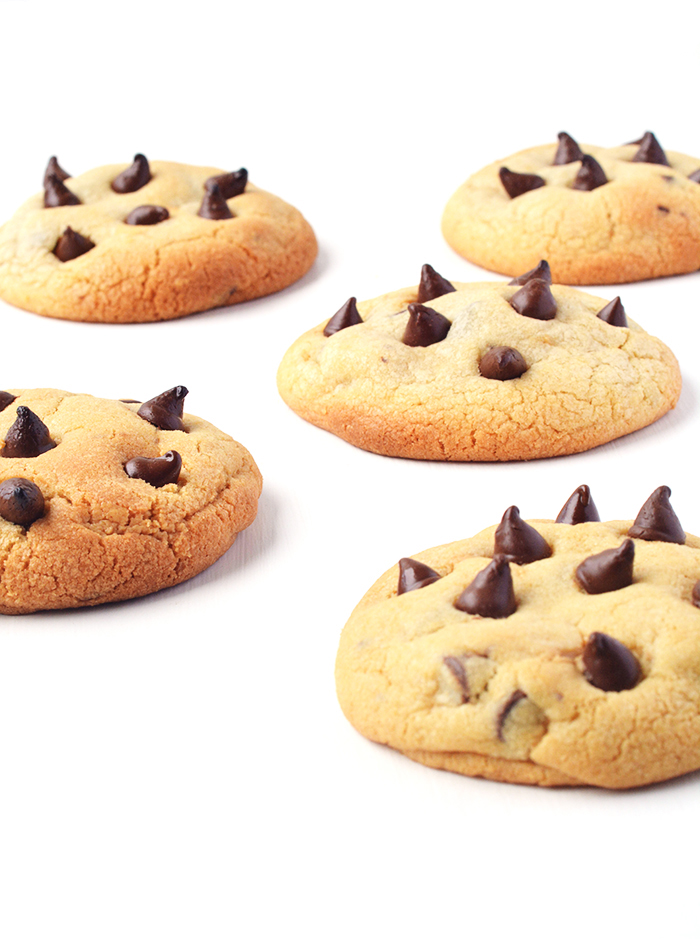 Peanut Butter Chocolate Chip Cookies | via sweetestmenu.com