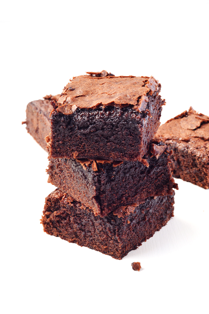 One Bowl Cocoa Brownies | via sweetestmenu.com