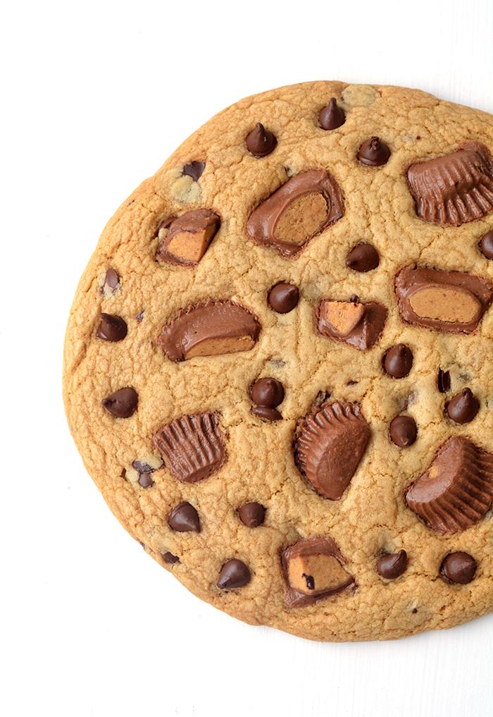 giantpeanutbuttercookie3.jpg