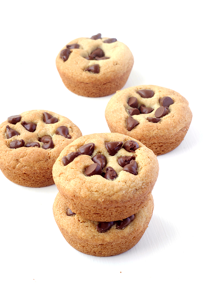 Super Easy Chocolate Chip Cookie Cups | via sweetestmenu,com