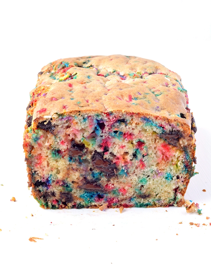 Amazing Funfetti Chocolate Chip Ice Cream Bread | via sweetestmenu.com