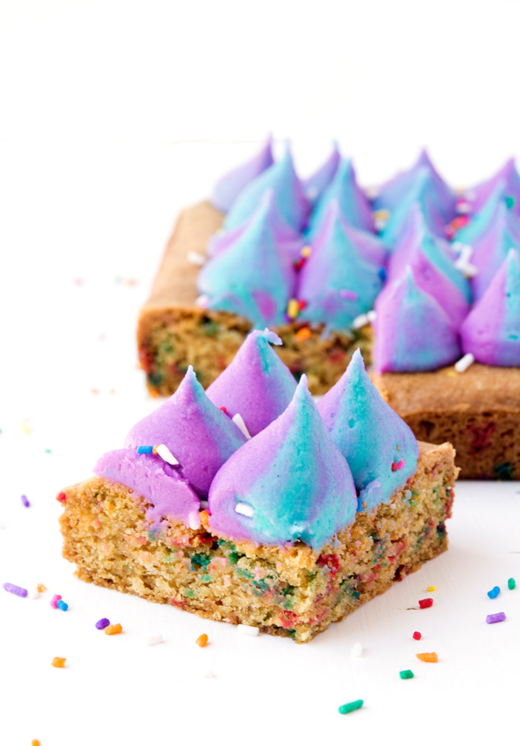 Funfetti cookie bar with unicorn frosting and sprinkles | sweetestmenu.com