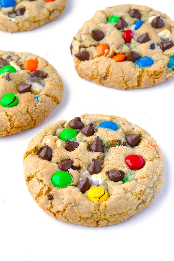 MEGA M&M Chocolate Chip Cookies with marshmallows | recipe via sweetestmenu.com