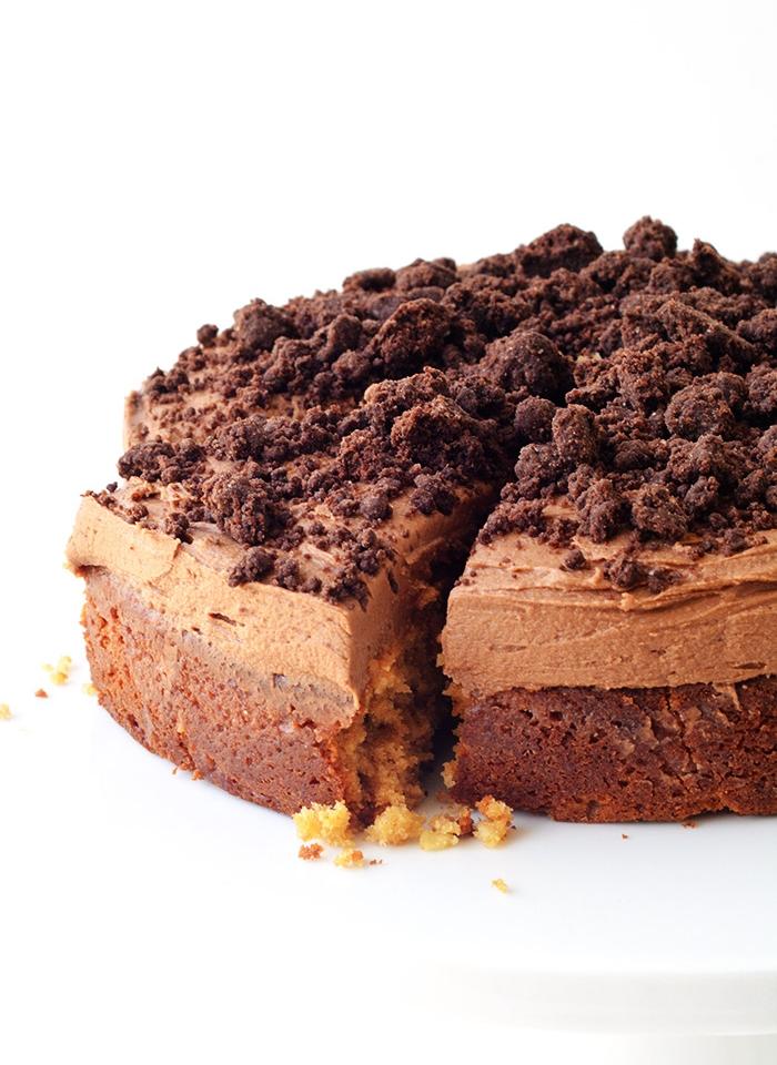 Peanut Butter Poke Cake -