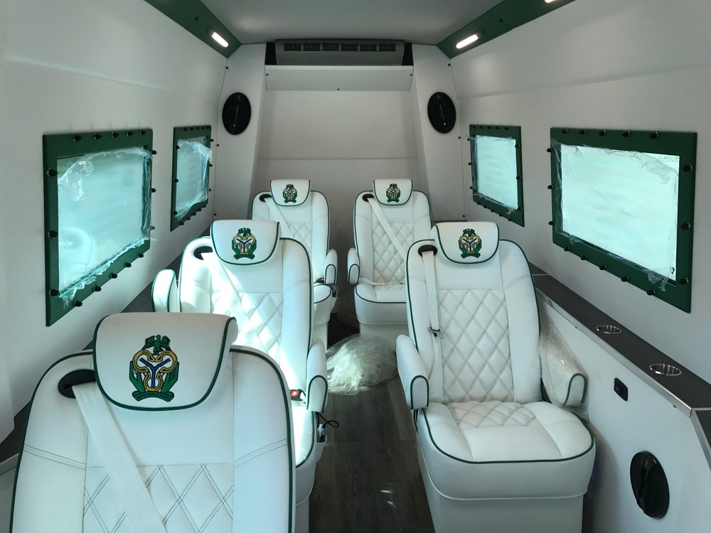 VIP CONFIGURATION 7 PASSANGER ; HEATED,VENTILATED,MESSAGE SEATS,EXTRA REAR INDEPENDENT A/C UNIT.