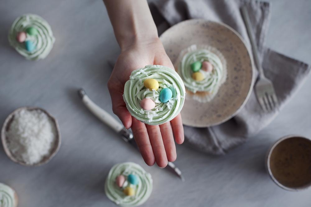 mini egg cupcakes viiii.jpg