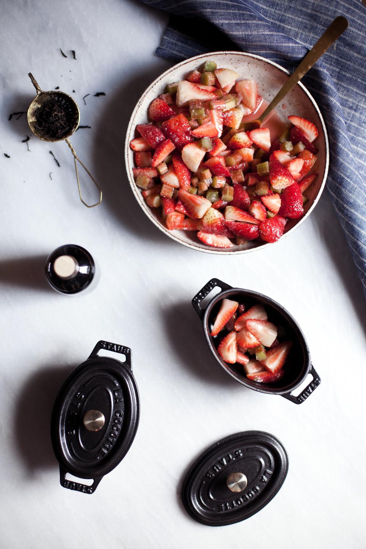 strawberry rhubarb crisp ii.jpg