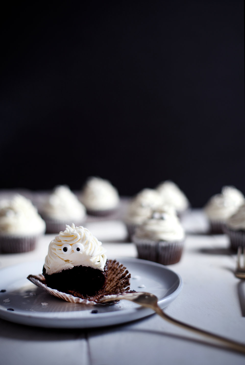 halloween cupcakes iv.jpg