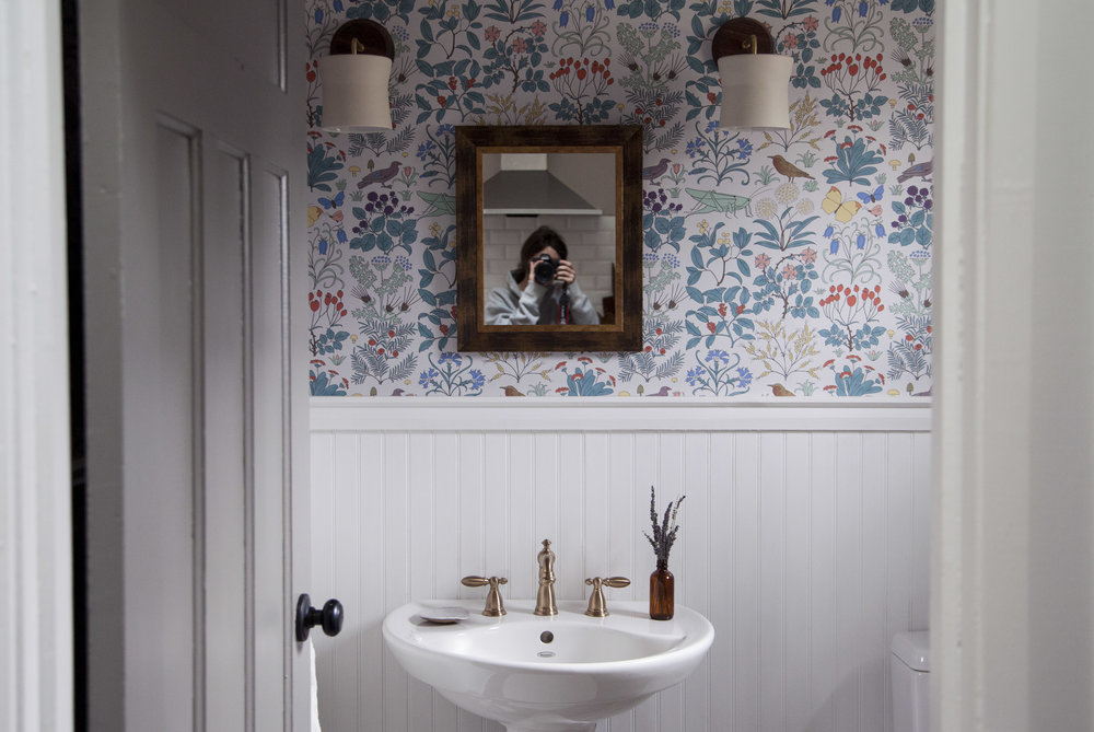 new powder room 8.jpg