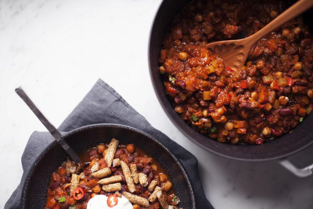 vegetarian chili viiii.jpg
