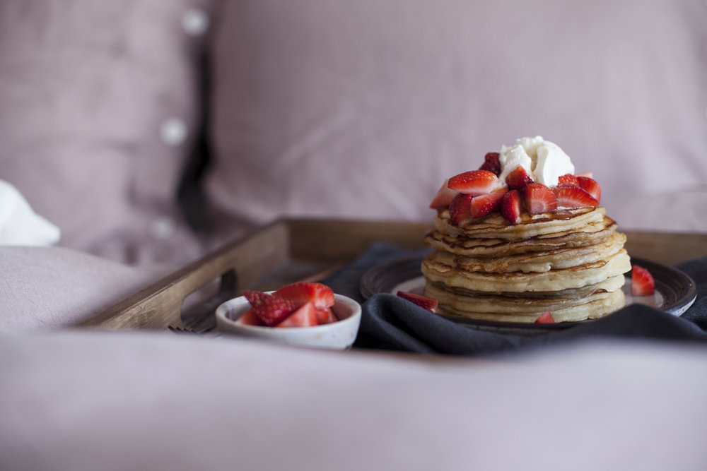 strawberry cheesecake pancakes vii.jpg