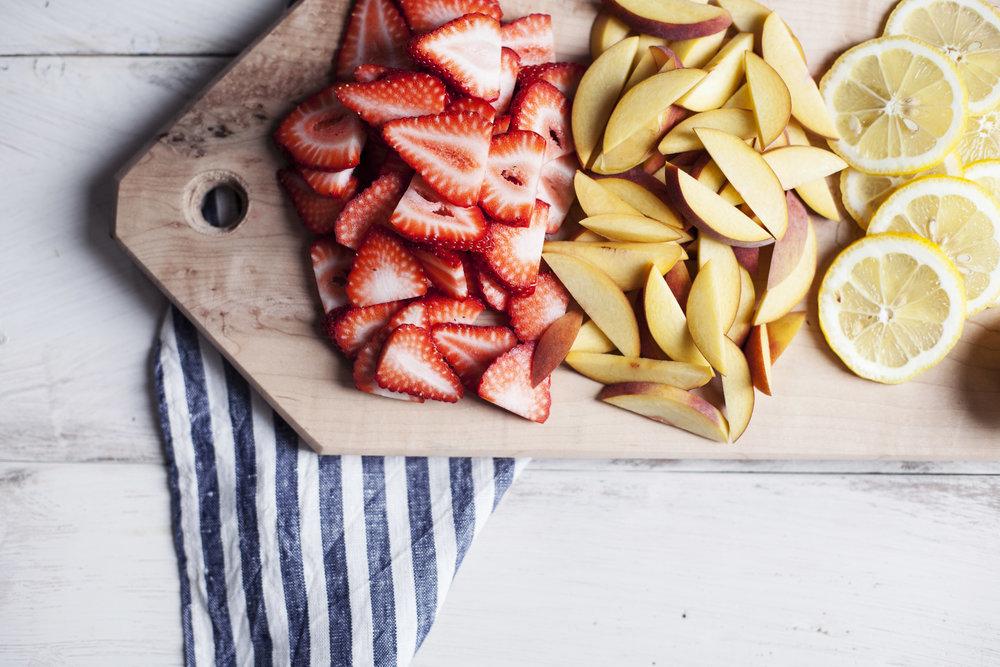 strawberry peach sangria iii.jpg