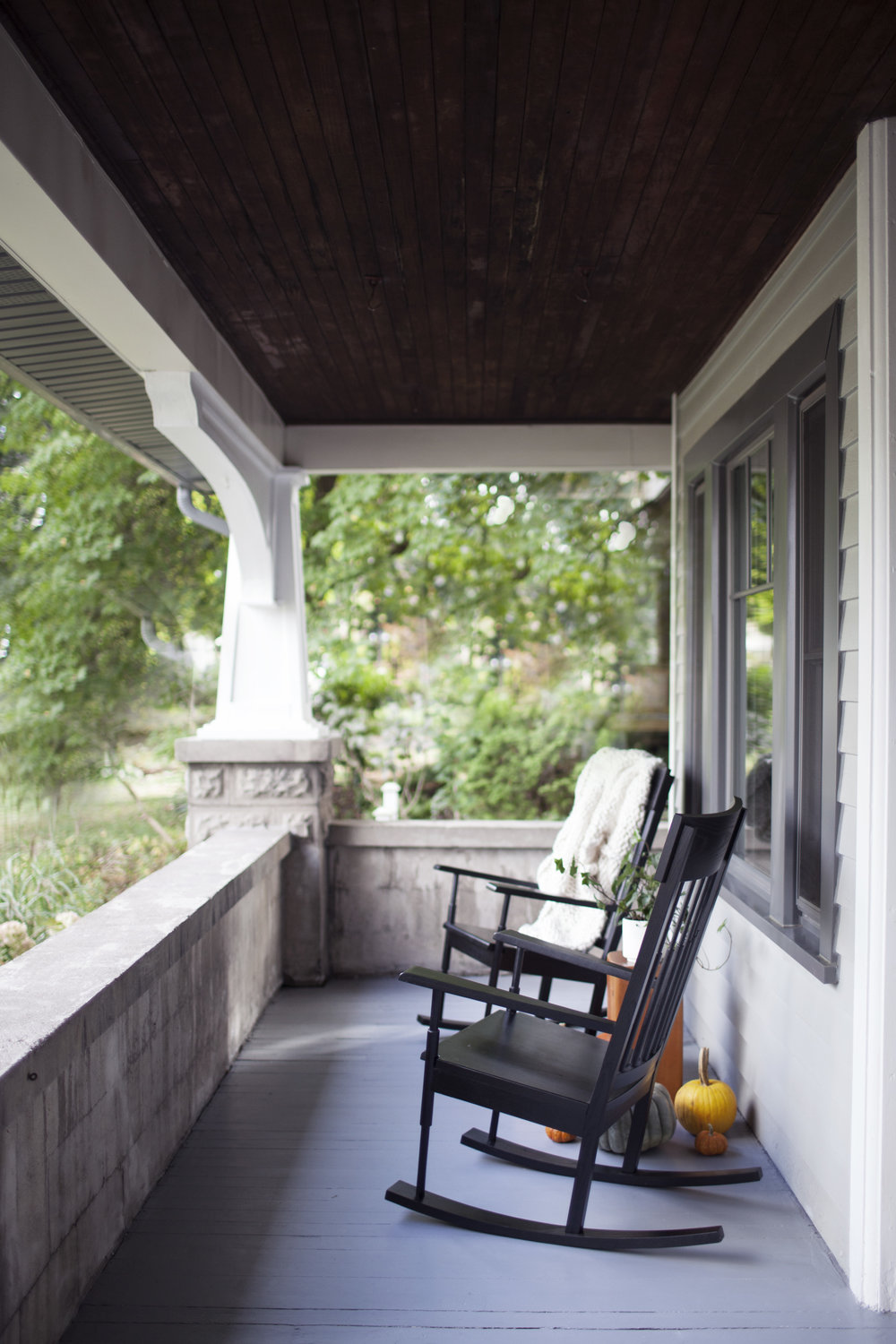 modest porch 10.jpg