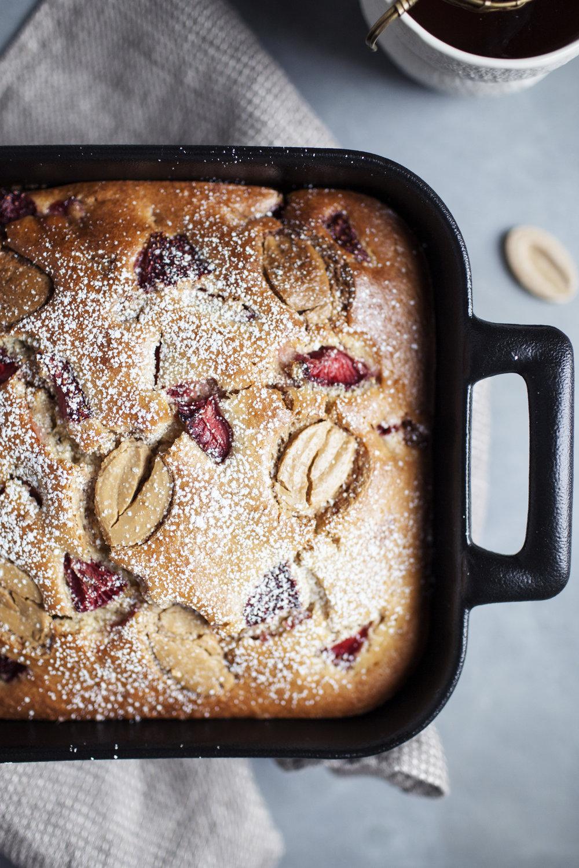 strawberry dulce snack cake x.jpg