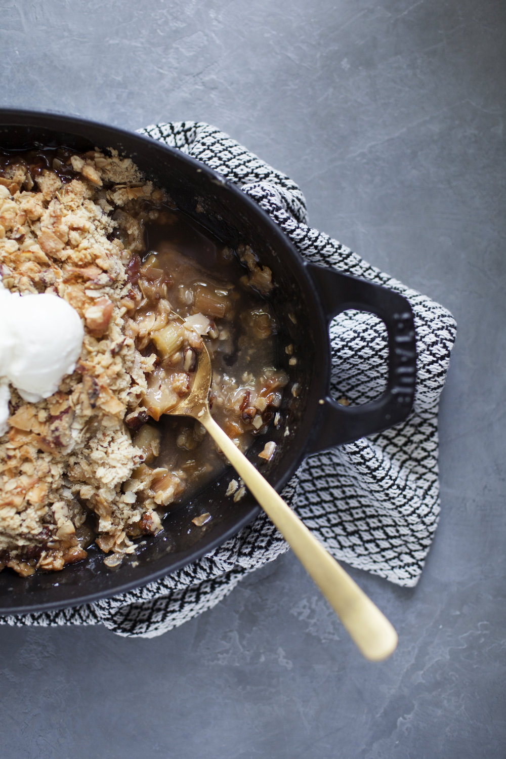 rhubarb apple coconut crisp vii.jpg