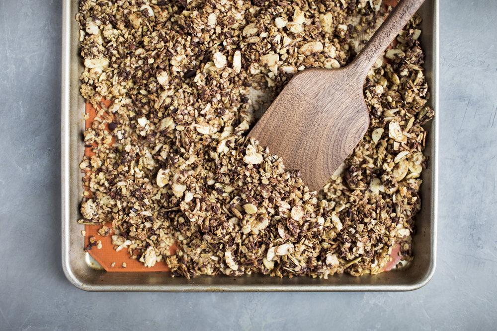 chocolate coconut matcha granola viiii.jpg